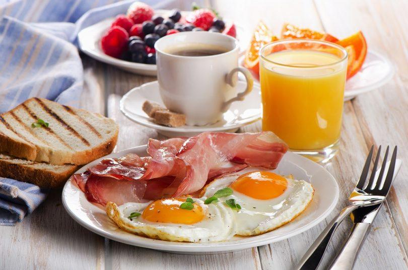 Aprende a preparar un desayuno realmente saludable con Aurum Bienestar